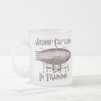 訓練、Steampunkの飛行船の大尉 フロストグラスマグカップ