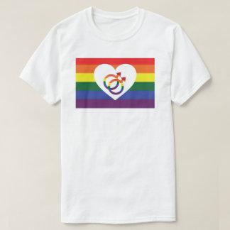 記号のゲイプライドの男性のティーとの虹のハート Tシャツ