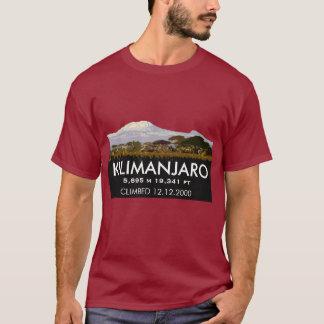 記念するキリマンジャロの名前入りな上昇 Tシャツ
