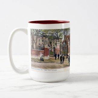 記念品のマグ-ブラウン大学、プロヴィデンス、RI ツートーンマグカップ