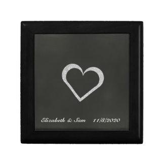 記念品の宝石箱を結婚する黒板のハート ギフトボックス