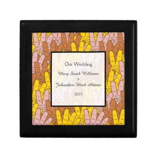 記念品を結婚する手のコラージュのおもしろいの救済 ギフトボックス