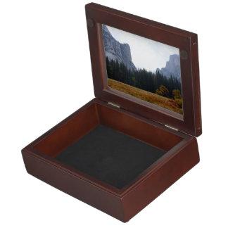 記念品箱-秋のヨセミテ国立公園 ジュエリーボックス