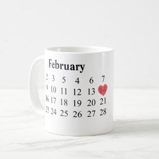 記念日のギフト-カレンダー及び刻まれたリング コーヒーマグカップ