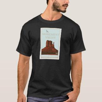記念碑の谷のナバホー人の種族公園 Tシャツ