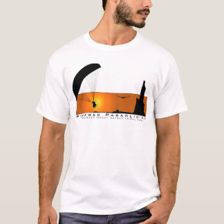 記念碑の谷のナバホー人TRIBの動力を与えられたパラグライダー Tシャツ