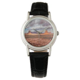 記念碑の谷の景色、AZ 腕時計