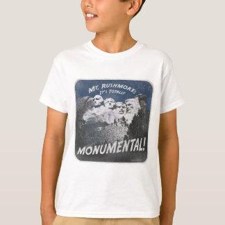 記念碑的なラシュモア山 Tシャツ