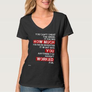 詐欺を粉砕の成功の刺激のワイシャツ傾けます Tシャツ