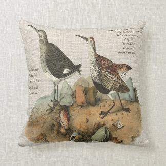 詩-綿版を持つ2羽のシギ クッション