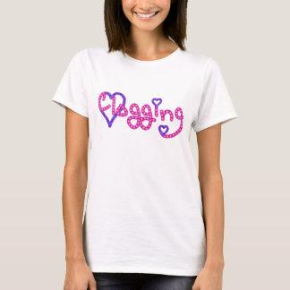 詰る愛はハートのピンクを主演します Tシャツ