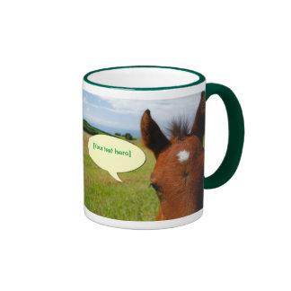 話マグの好奇心が強い子馬は泡立ちます リンガーマグカップ