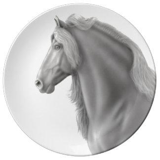 誇りを持ったなFriesianの種馬の磁器皿 磁器プレート