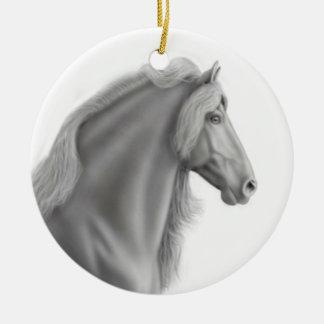 誇りを持ったなFriesianの馬のオーナメント セラミックオーナメント