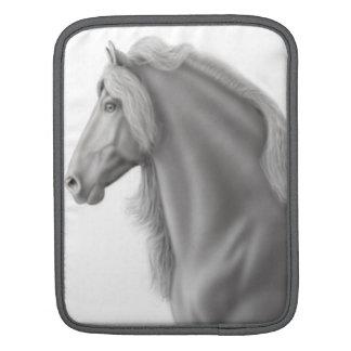 誇りを持ったなFriesianの馬の人力車の袖 iPadスリーブ