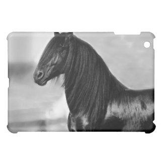 誇りを持ったなFriesianの黒の種馬の馬のipad iPad Mini カバー