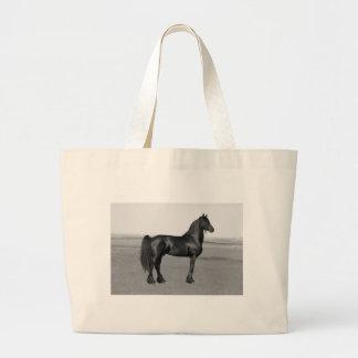 誇りを持ったなFriesianの黒の種馬の馬 ラージトートバッグ