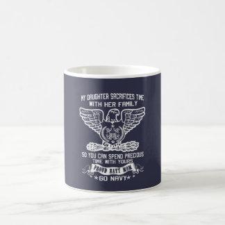 誇り高い海軍お母さん コーヒーマグカップ