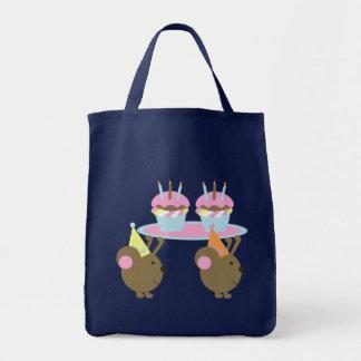誕生日のカップケーキのパーティーのネズミのトートバック トートバッグ