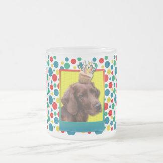 誕生日のカップケーキ-アイリッシュセッター フロストグラスマグカップ