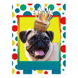 誕生日のカップケーキ-パグ ポストカード