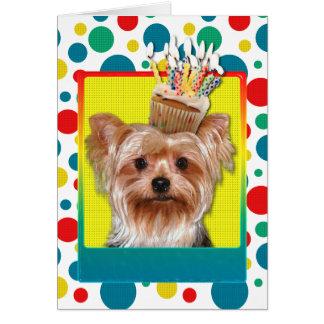 誕生日のカップケーキ-ヨークシャテリア カード