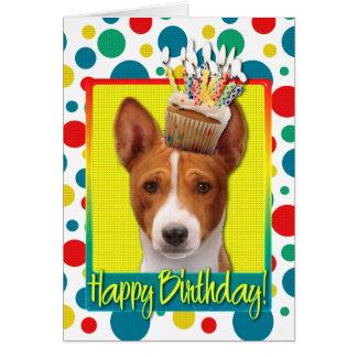 誕生日のカップケーキ- Basenji カード