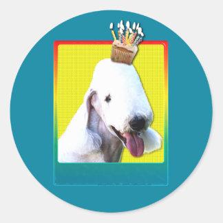 誕生日のカップケーキ- Bedlington ラウンドシール