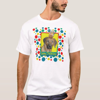 誕生日のカップケーキ- Rhodesian Ridgeback Tシャツ