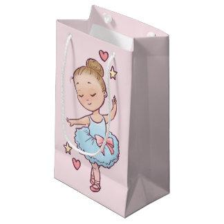 誕生日のバレエの小さいバレリーナの女の子及びつま先靴 スモールペーパーバッグ