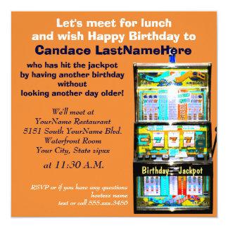 誕生日の昼食会のスロットマシンの大当たり カード