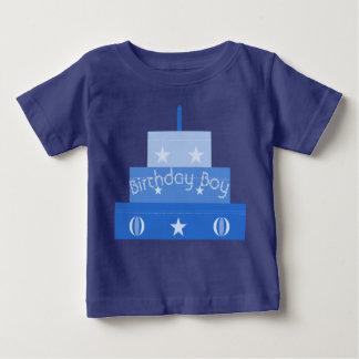 誕生日の男の子のケーキのTシャツ ベビーTシャツ