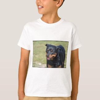 誠実なロットワイラー Tシャツ