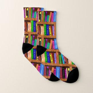 読者のための本の図書館の本だなのかわいらしいパターン ソックス
