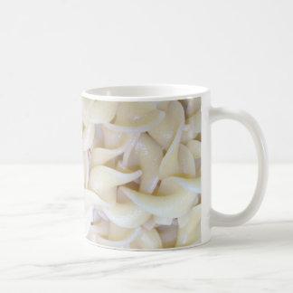 調理された卵ヌードル コーヒーマグカップ
