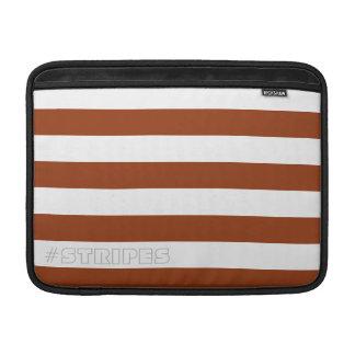 調節可能なブラウンを縞で飾ります MacBook スリーブ