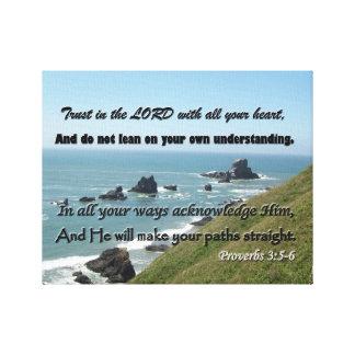 諺の3:5 - 6からの聖なる書物、経典の写真を浜に引き上げて下さい キャンバスプリント