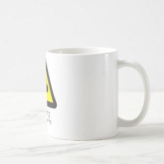 警告するおもしろいな警告標識「: 私はlisteningではないです コーヒーマグカップ