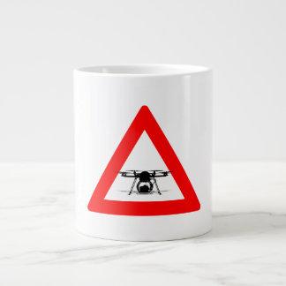 警告の無人機のはえの地帯 ジャンボコーヒーマグカップ