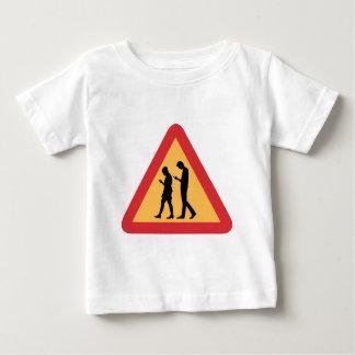 警告の移動式ゾンビ、ストックホルム、スウェーデン ベビーTシャツ