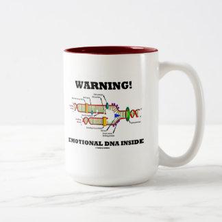 警告! 感情的なDNAの内部(DNAの写し) ツートーンマグカップ
