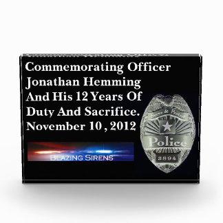 警官のカスタマイズ可能なアクリルの義務賞 表彰盾