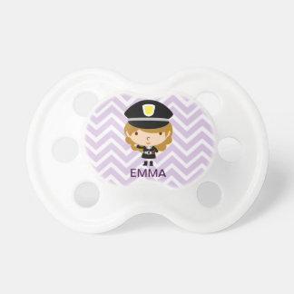 警察のハイウェーのパトロールか交通コントローラー おしゃぶり