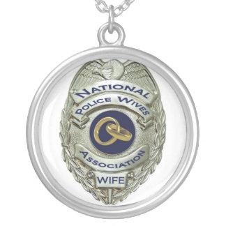 警察の妻のネックレス シルバープレートネックレス