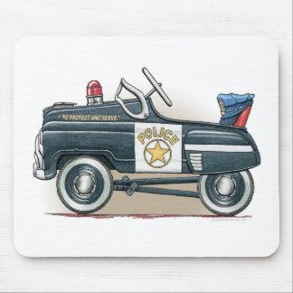 警察はマウスパッド車の警察官車のペダルを踏みます マウスパッド