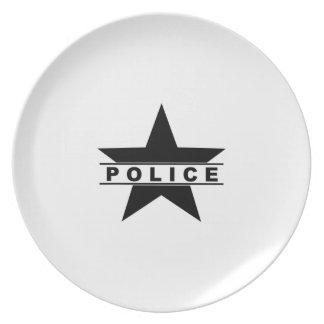警察は文字部のバッジの法律の記号を主演します プレート