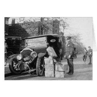 警察は酒類密造者Car 1922年を捕獲します カード