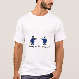 警察場面 Tシャツ