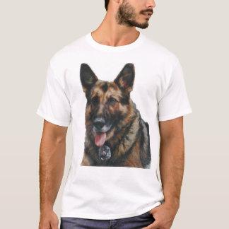 警察K-9犬Marlo Tシャツ