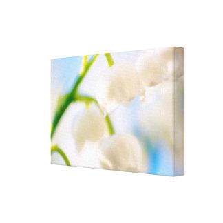 谷の花のクローズアップのユリ キャンバスプリント